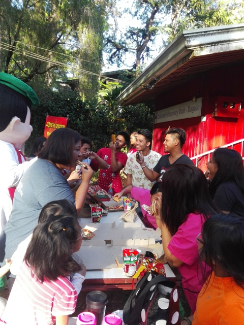 LOTS'A PIZZA VISITS THE CHILDREN OF HELPING HANDS COMMUNITY
